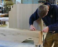 Grabmal aus Holz Fertigung - Grabholz-GmbH